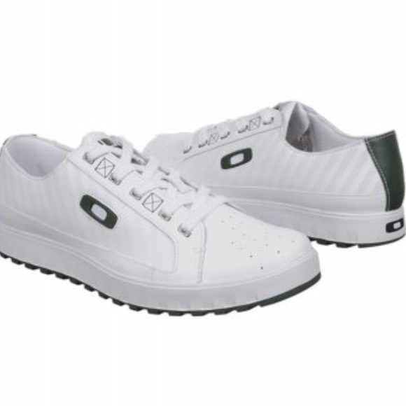 2c96de0ea114 Oakley Men s Two Barrel White and Green Shoe SZ 13
