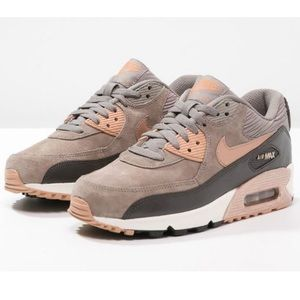 Nike Shoes - NIKE AIR MAX 90 METALLIC WOMENS SIZE 7.5 LEATHER