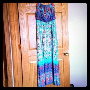 Bisou Bisou Dresses & Skirts - Bisou Bisou strapless Maxi dress