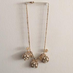 Gold/ivory flower embellished necklace