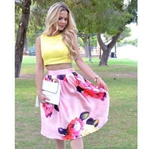L'Atiste Dresses & Skirts - NWT Floral Printed Pink Midi Skirt
