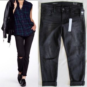 Kut from the Kloth Denim - Catherine Boyfriend Jeans in Faded Black
