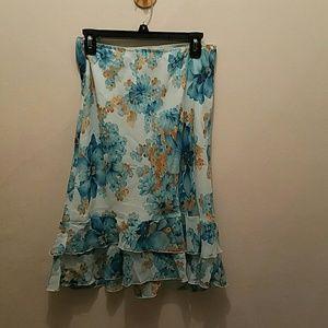 Copper Key Dresses & Skirts - Copper Key Blue Floral Ruffled Skirt. Size medium.