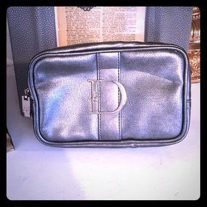 ✂️✂️ Dior Silver make up case, travel case