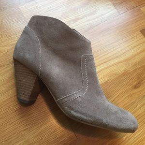 Aldo gray suede ankle boots