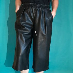 Faux leather culottes with elastic waist 