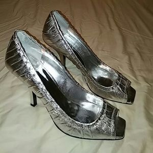 Guess by Marciano Shoes - Guess Metallic silver