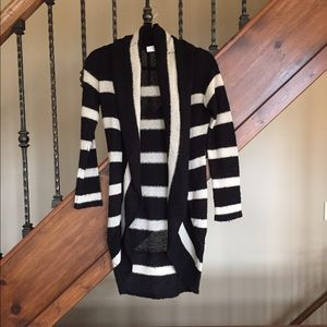 RD Style Black and Tan open cardigan