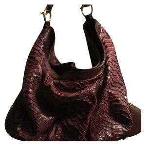 Gucci Handbags - Gucci purse