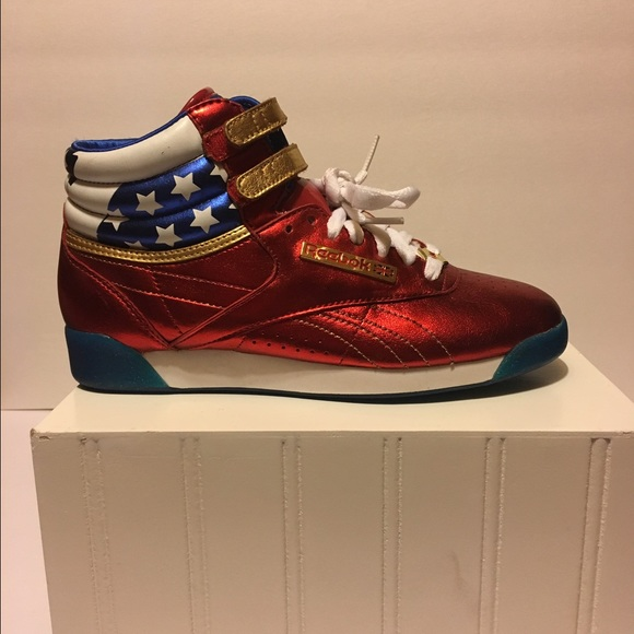a04778e59e8 Reebok women s high tops Wonder Woman sz 6. M 58ab4fcc5c12f84a6c0187c9