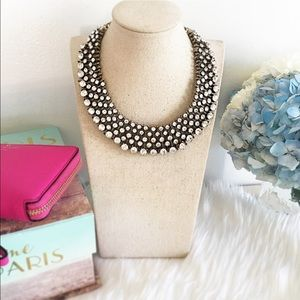 Jewelry - Stunning crystal bib necklace