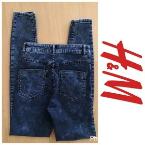 H&M Denim - NWOT ***H&M*** divided high-waisted jeans Size 6!