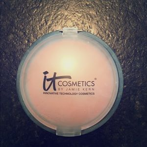IT Cosmetics Other - IT Cosmetics Matte Bronzer 🦋