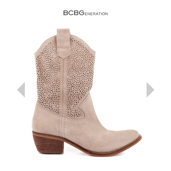 12ea9ee6ed6 BCBGeneration Bastille boots NWT