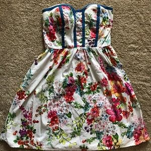 kandy kiss Dresses & Skirts - Strapless dress