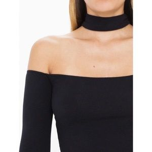 Tops - • Black Choker Top // Last One •