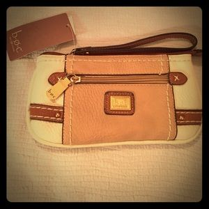 b.o.c. Handbags - 🌟b.ø.c. Born Concepts Wristlet NWT!