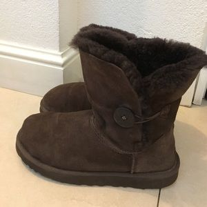 UGG Shoes - UGG 1-Button Brown Short Boots size 8