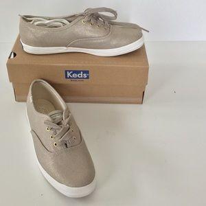 Gold Keds NIB 1 Left Size 9.5 🎉HP🎉