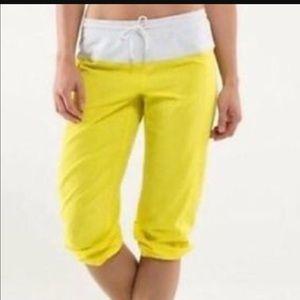 lululemon athletica Pants - nWt lululemon step lively crop pants 8 sizl numbs