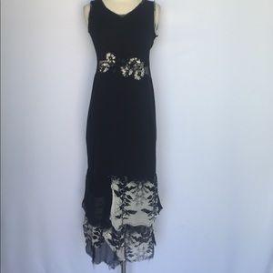 Dresses & Skirts - Unique black cutout midi dress with floral details