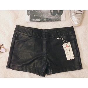 Pants - FINAL SALE‼️NWT Leather shorts