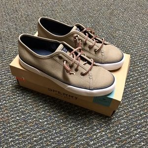 Sperry Shoes - 🌸Sperry's Pier View Canvas Taupe 7M