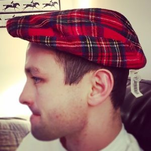 Sears Other - Red plaid tartan newsboy Ivy hat