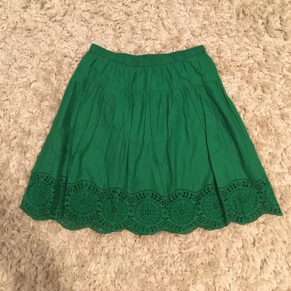 Old Navy Skirts - Beautiful Kelly Green Skirt
