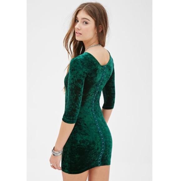 4bf561c33e2 Forever 21 Dresses   Skirts - Emerald Green Crushed Velvet Bodycon Dress