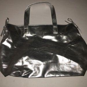 Handbags - Metallic purse! MAJOR SALE ❤️💋😘