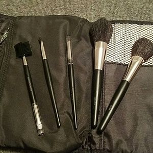 Mary Kay Makeup - 5 pc New Mary Kay Brush Set