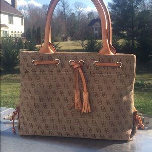 Dooney & Bourke Handbags - AUTHENTIC DOONEY & BOURKE TOTE