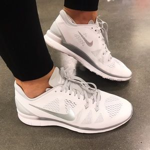 Nike Shoes - 💪🏻white & silver--Price Firm-Training💪🏻