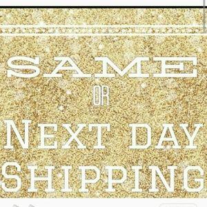 Other - Fast shipper! 5? seller! Posh Mentor!