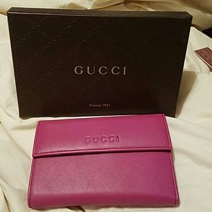 Gucci Handbags - Gucci Leather Wallet NWT