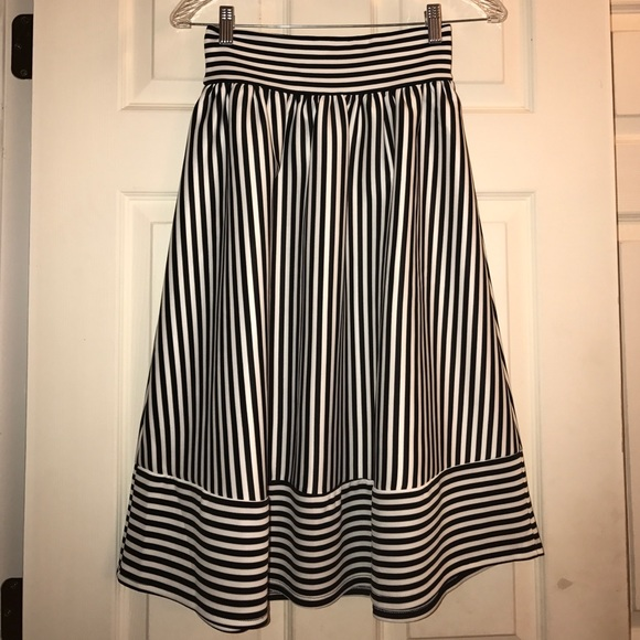 4f4c425b6f Forever 21 Dresses & Skirts - Forever 21 Black & White Striped Midi Skirt XS