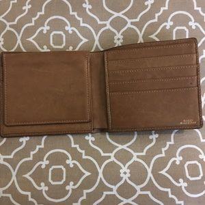 46387128337 Gucci Bags - Gucci GG Canvas Flip Wallet