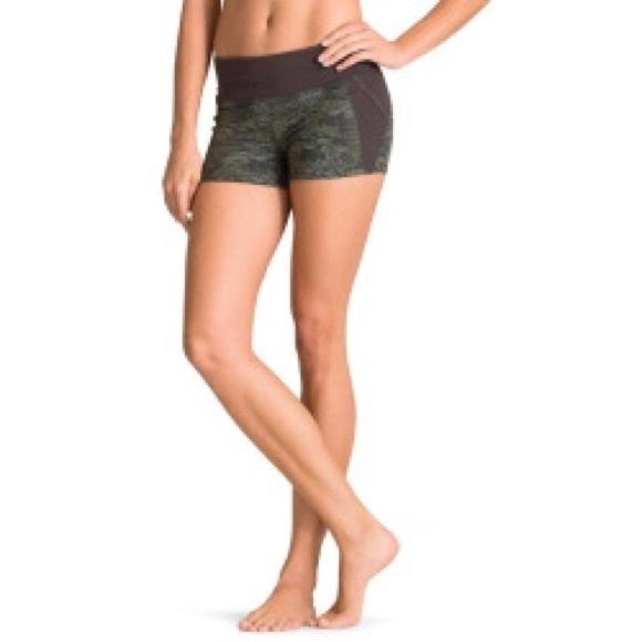 d5f981157c Athleta Shorts | Crush Connect Short | Poshmark