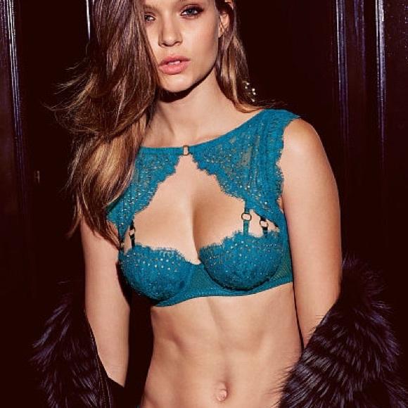 New Victoria s Secret very sexy high neck lace bra c7dff67cb