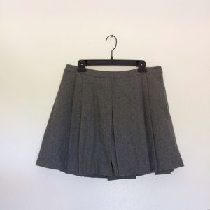 Vineyard Vines Dresses & Skirts - Vineyard Vines Pleated Wool Skirt