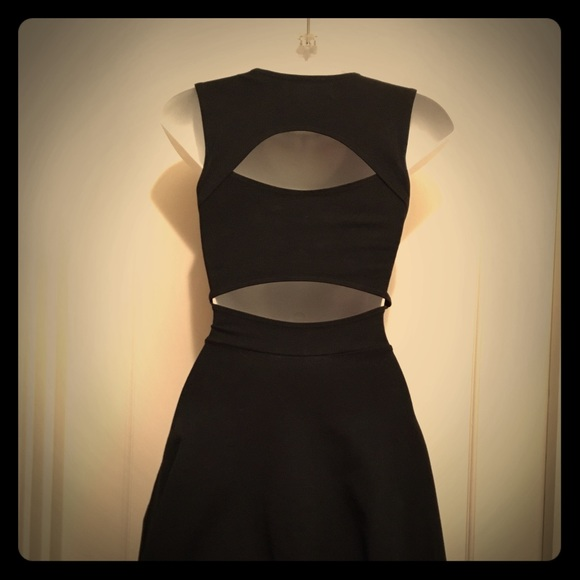 Groceries Dresses & Skirts - Groceries Cutout Back Flared Skater Dress Size XS