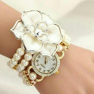 *SALE* NIP Stunning Double Wrap Pearl Flower Watch