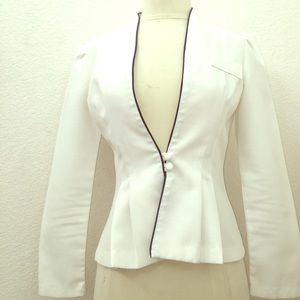 Blazer up with this white Vintage fitted Blazer