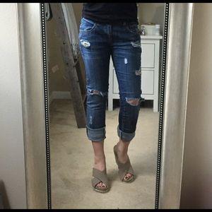 Denim - Destroyed Cropped Jeans