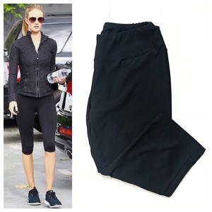 Capezio Pants - Capezio Black Capri Workout Pants
