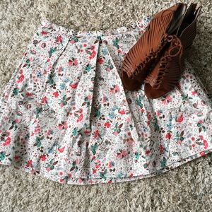 GAP Dresses & Skirts - Adorable floral Gap skirt