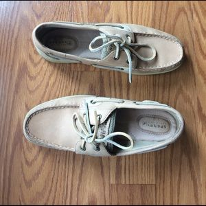 Sperry Top-Sider Shoes - LIKE BRAND NEW SPERRY TOP SIDER SHOES