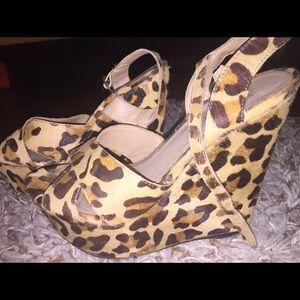 Steve Madden Shoes - Steve Madden Leopard Wedges