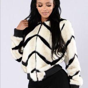 Fashion Nova Jackets & Blazers - Brand New Fashion Nova Faux Fur Coat Size Medium